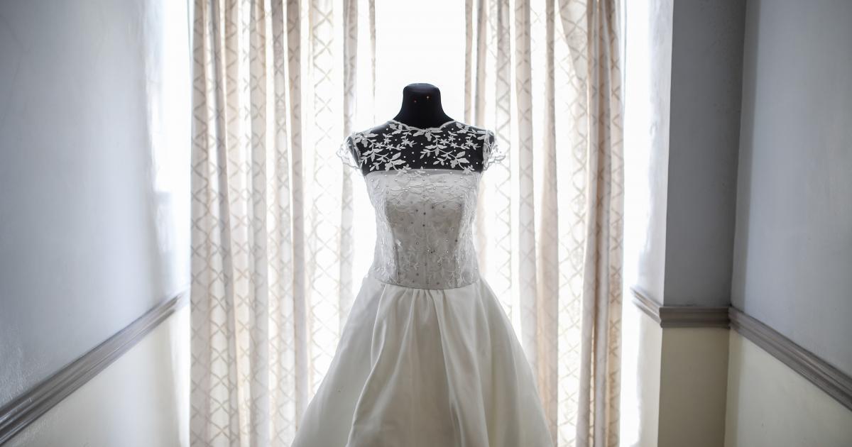 keres egy férfit fehér menyasszonyi)